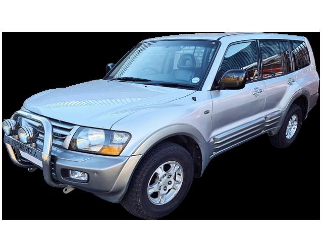 18 2001 Mitsubishi Pajero 3.0 GLS 1